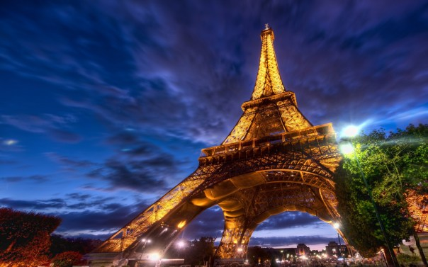 Eiffel-Tower-Paris-Wallpaper-2560x1600