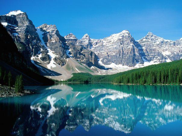 Valley_of_the_ten_peaks