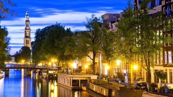 Night-Light-Amsterdam-Netherlands-768x1366